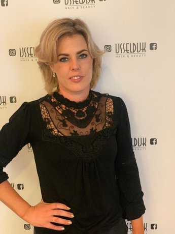 Jacqueline eigenaar / allround hairstylist